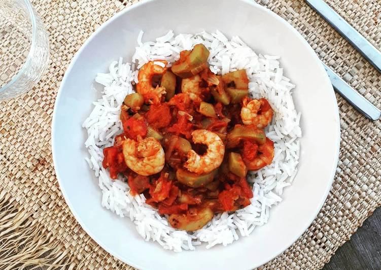 Crevettes aux légumes et lait de coco