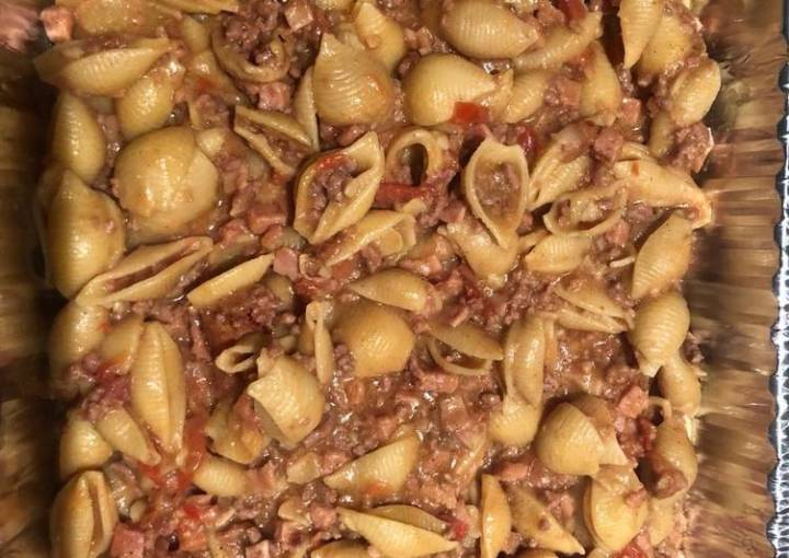 Pasta shell and minced meat