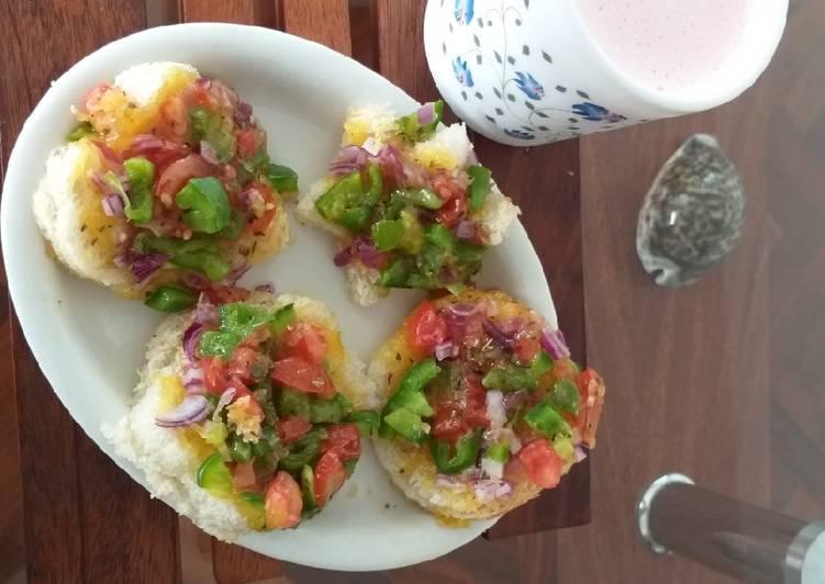 Mini bread pizzasKids Recipe contest