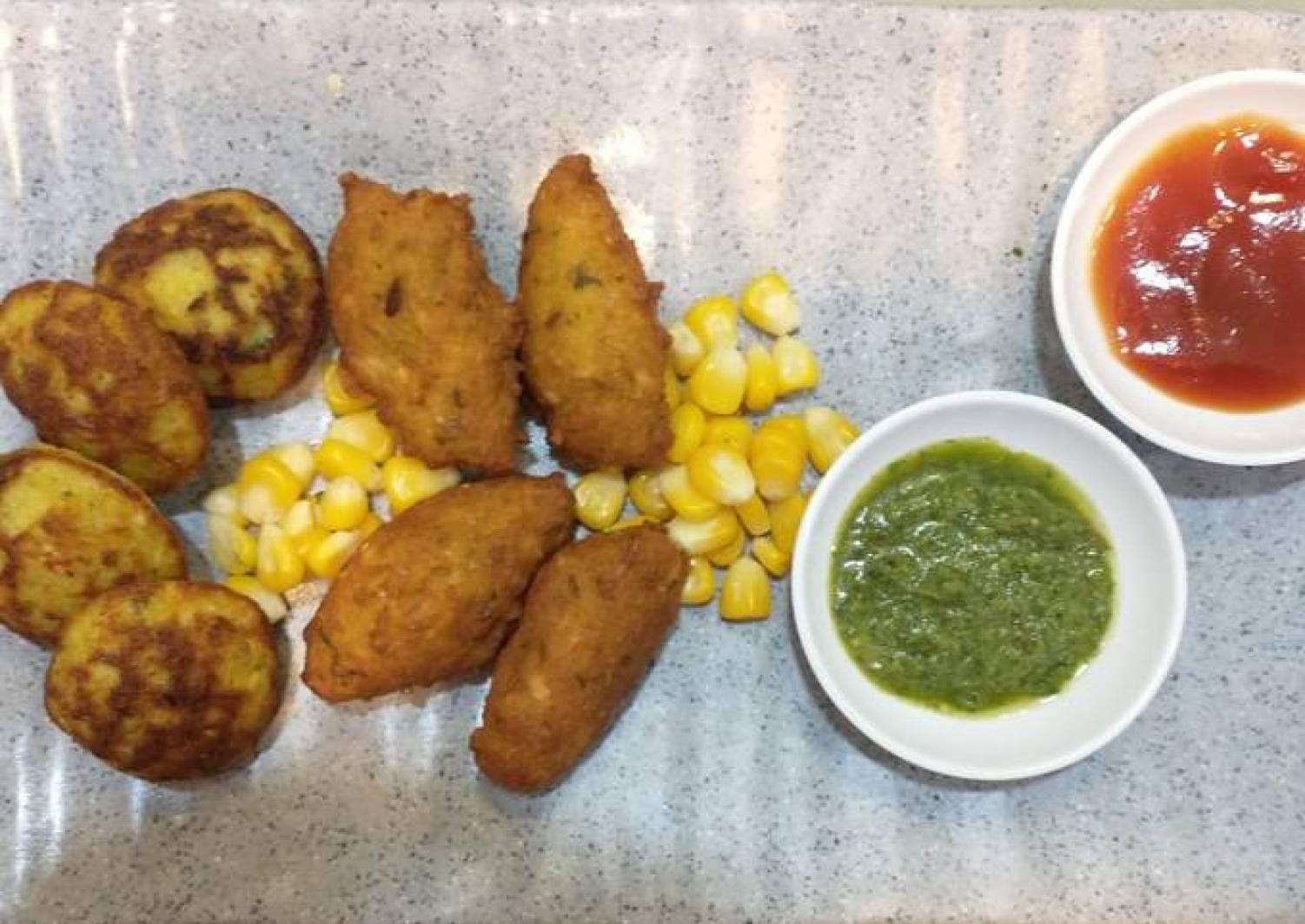 Corn pakodas (fritters) and appe