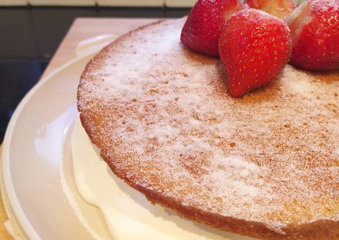 How to Make Gordon Ramsay Victoria sponge cake