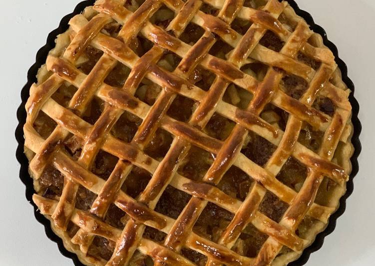 Someones grandmas apple pie