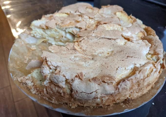 Easy Apple Charlotte pie