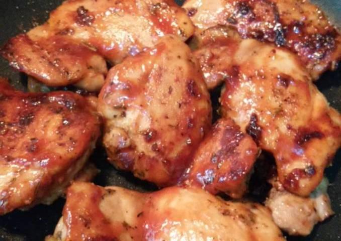 Filete de muslos corto con salsa bbq casera