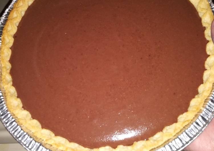Quick 3 ingredient chocolate pie