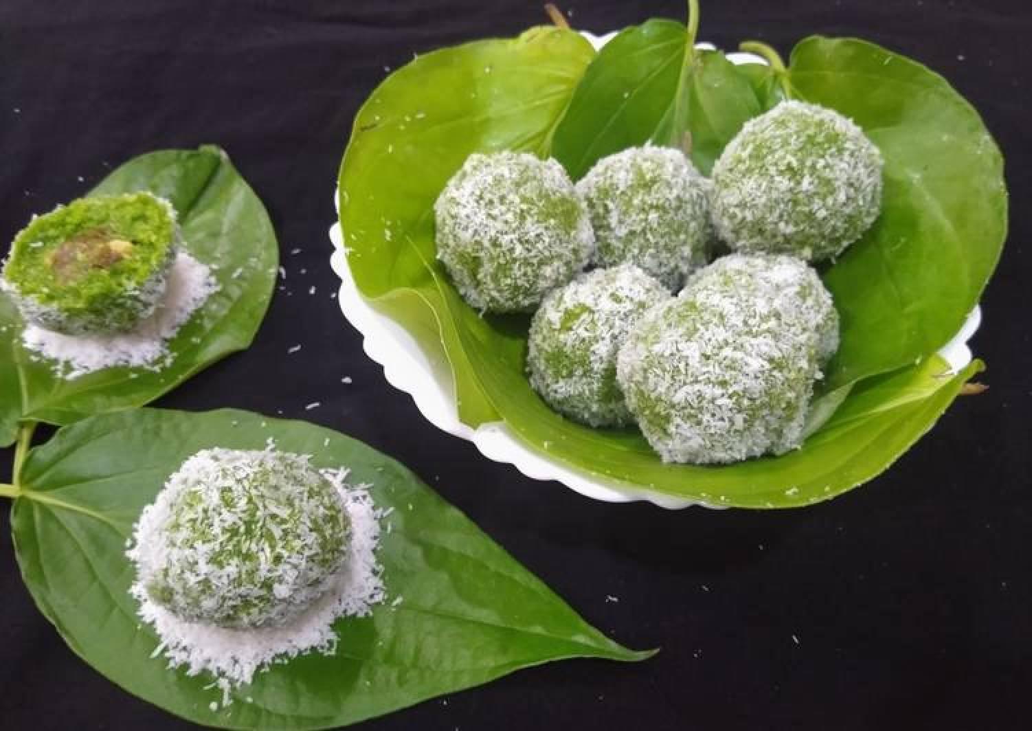 Paan Coconut Ladoo