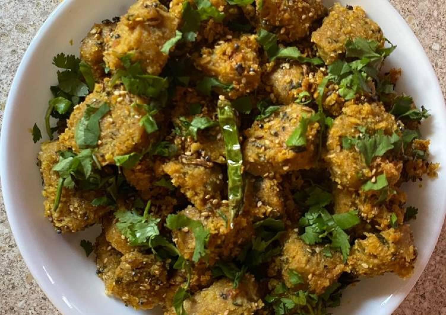 Bottle gourd dumplings (Dudhina muthia