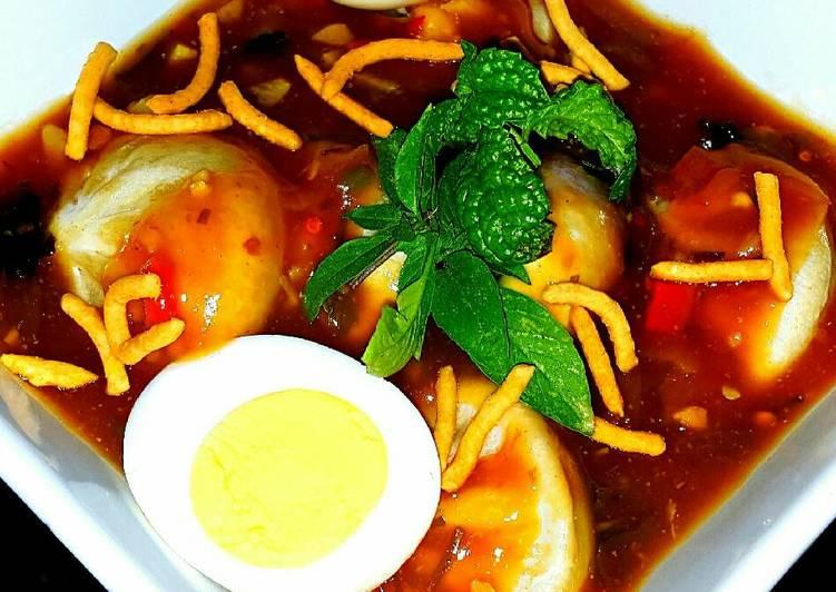 Mike's Spicy Hot & Sour Dumpling Soup