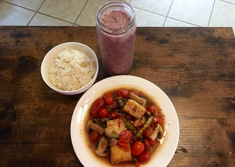 Tofu & tomato for vegan