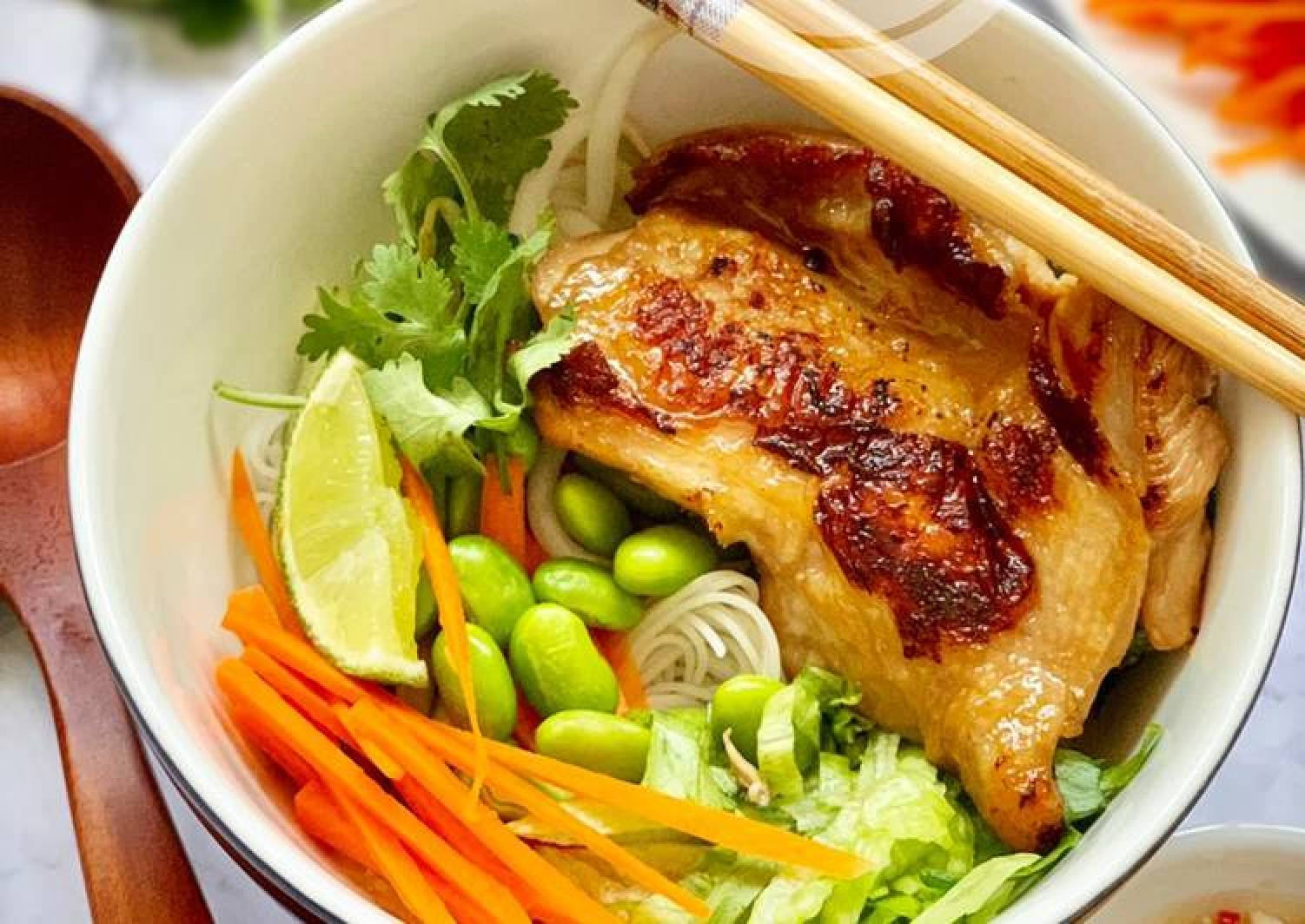 Vietnamese Noodle with Lemongrass Chicken
