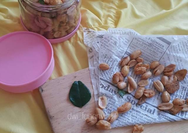 407. Kacang Goreng Bawang