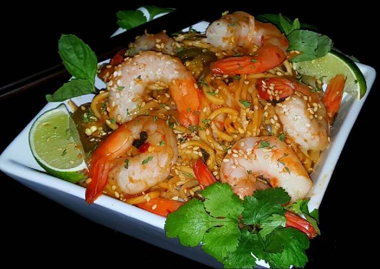 Mikes Spicy Thai Sobe Shrimp Noodles