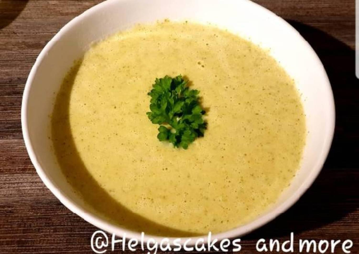 Brokkoli-Creme-Suppe mit Hähnchen