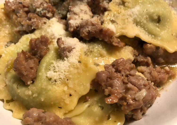 Easy Ravioli in a sausage, garlic, and wine sauce