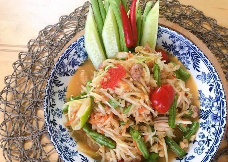 Thai Green Papaya Salad Recipe • SomTam Salad Sauce Recipe | ThaiChef food