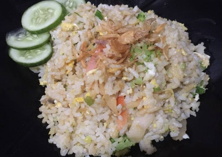 Nasi goreng seafood mama chaly