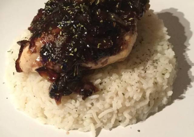 Chicken with Blueberry Sauce and Rice