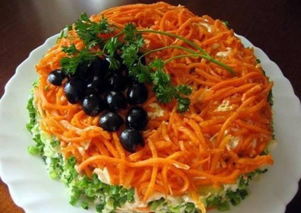 Салат с копченой курицей и корейской морковкой «Изабелла ...