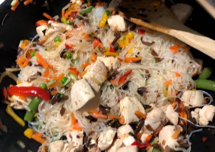 Nouilles au poulet et légumes