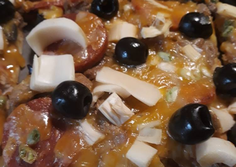 Step-by-Step Guide to Prepare Homemade Pizza, Melting Pot