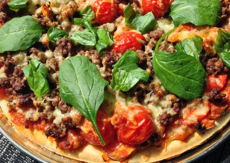 Beef Tomato and Basil Pizza