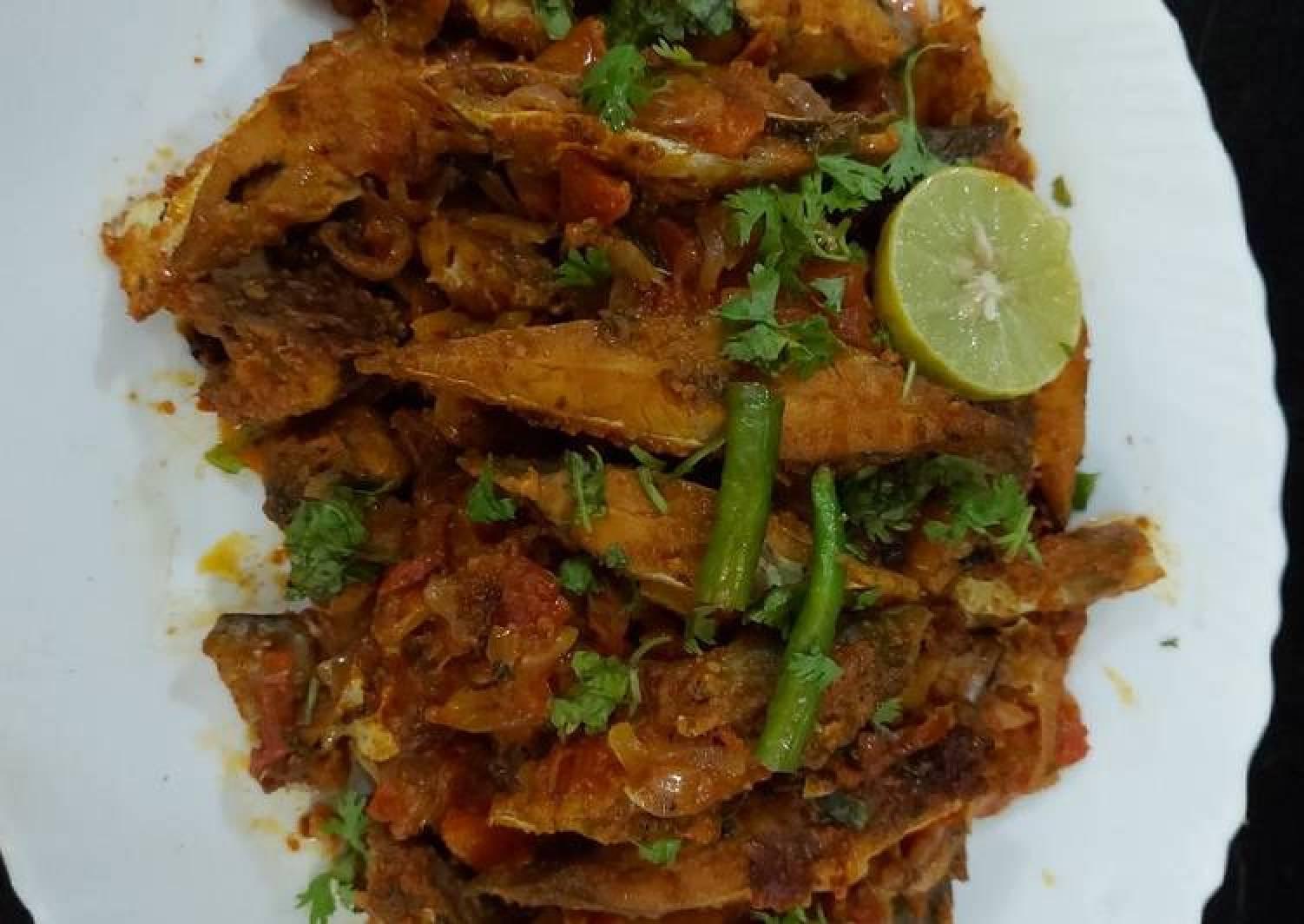 Fish onion and tomato masala