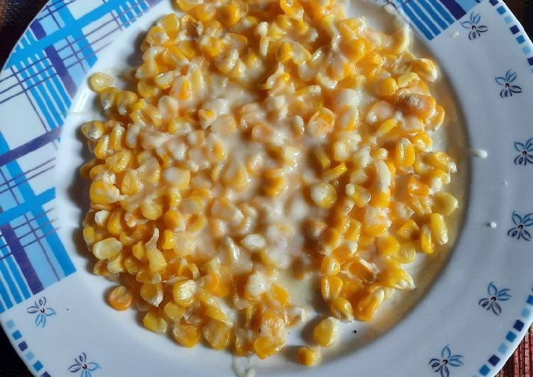 Butter and Cheese corn pizza