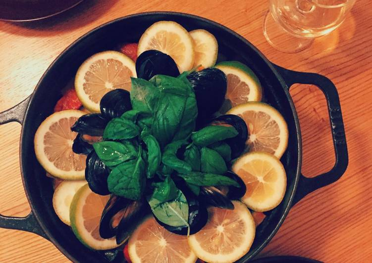 Recipe of Homemade Seafood and chicken paella