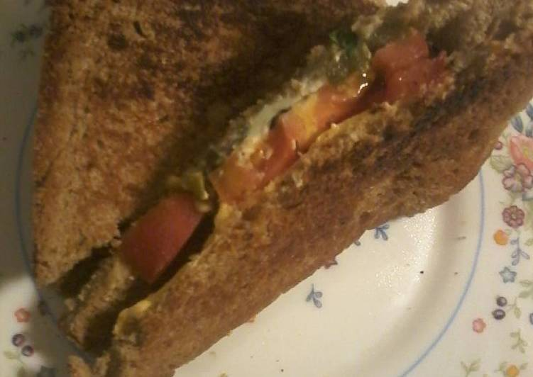 Tomato and basil grilled cheese sandwich