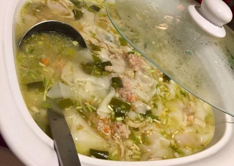 Molo Soup (Filipino Pork Dumpling Soup)