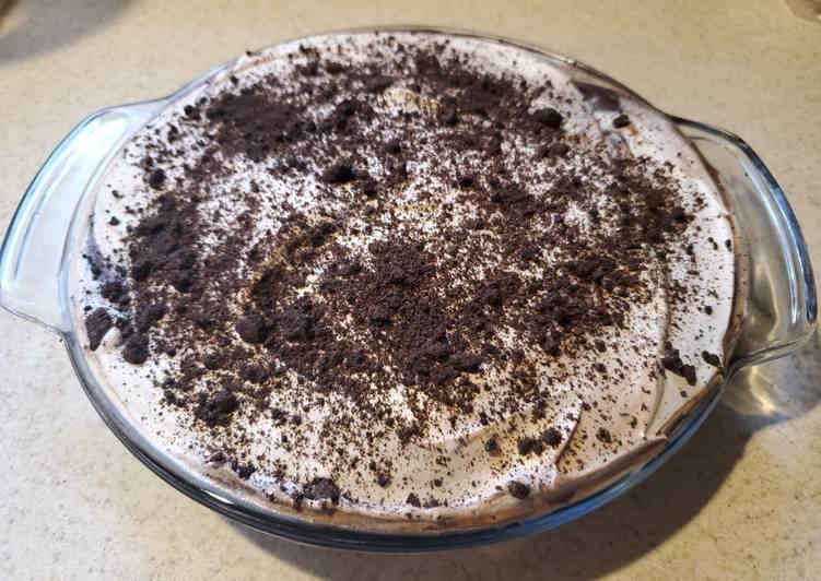 Oreo Pie with Chocolate Pudding