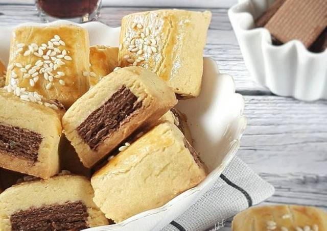 (2.36) Wafer Cookies