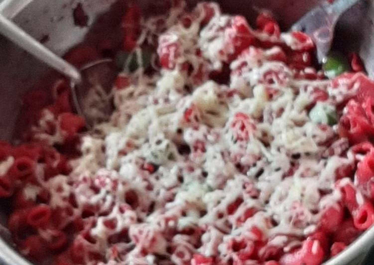 Veg. Beetroot macroni pasta