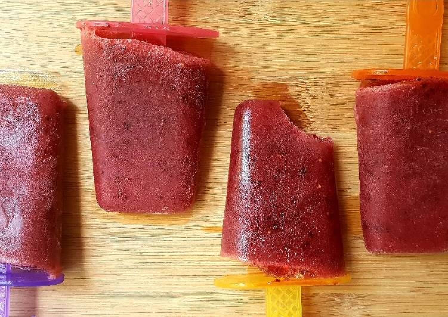 Berry tea ice lollies