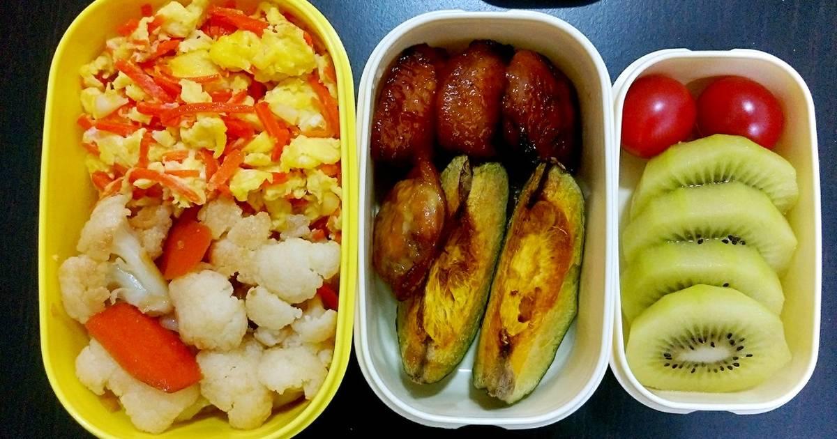 我家有只肥豆漿 發表的 #手做便當#烤雞翅+栗子南瓜+清炒白花菜+紅蘿蔔炒蛋。 食譜 - Cookpad