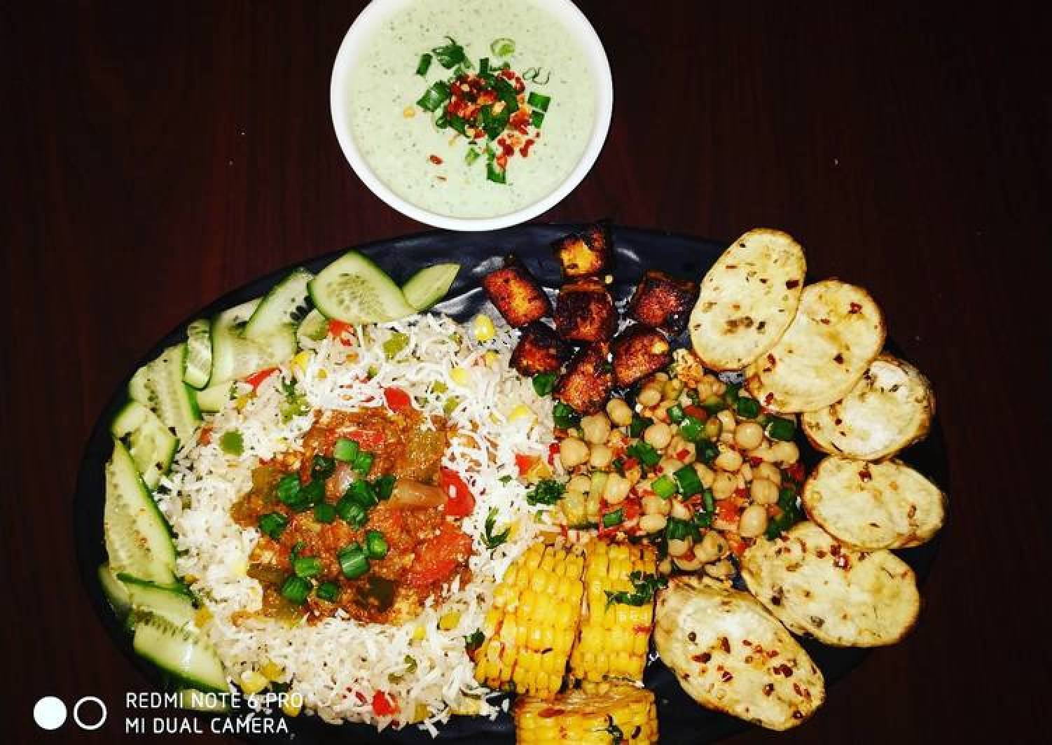 Cottage Cheese Shalmargo with assorted veggiee sizzler