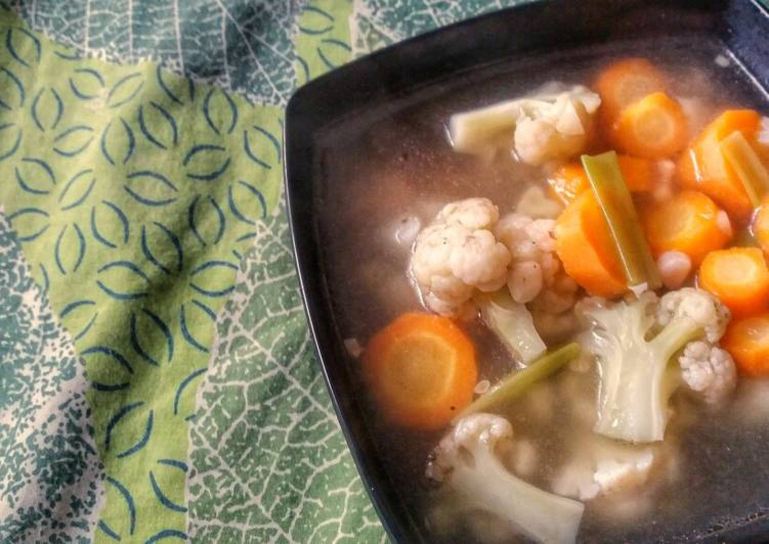 Cauliflower and Carrots Clear Soup