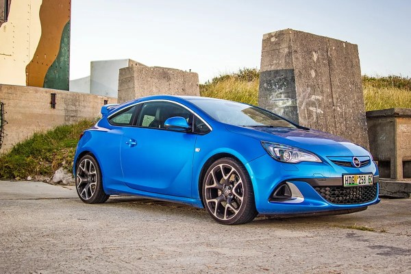 Opel Astra OPC review - Cars.co.za