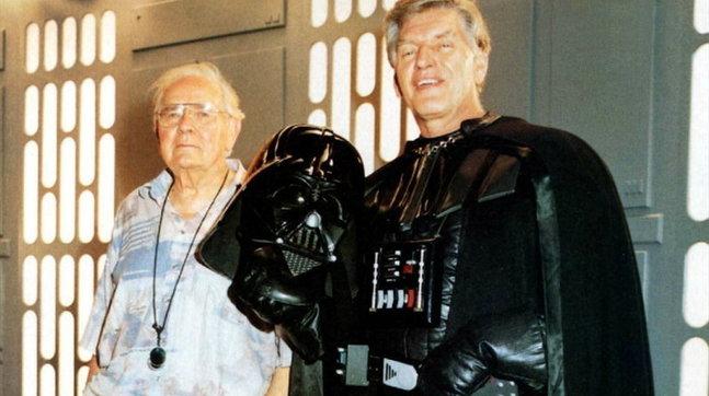 """Addio a David Prowse: impersonava Darth Vader nella trilogia originale di  """"Star Wars"""" - Tgcom24"""