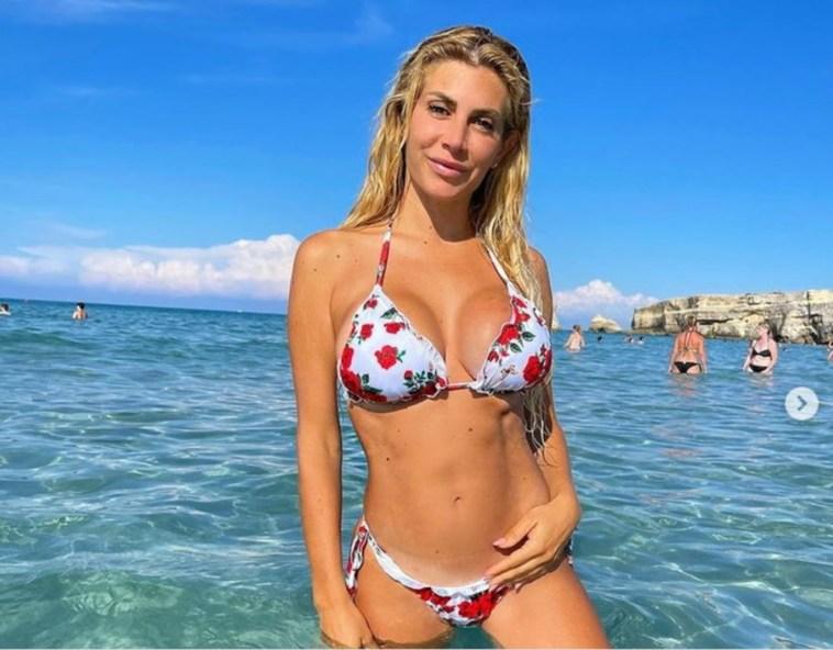 Paola Caruso torna single, naufragata la storia con Dario Socci