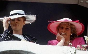 """Sarah Ferguson: """"Lady Diana etichettata come santa e io come peccatrice, invece…"""""""