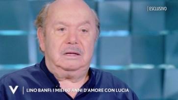 """Lino Banfi si commuove parlando della moglie Lucia: """"Mi ha chiesto di morire assieme"""""""