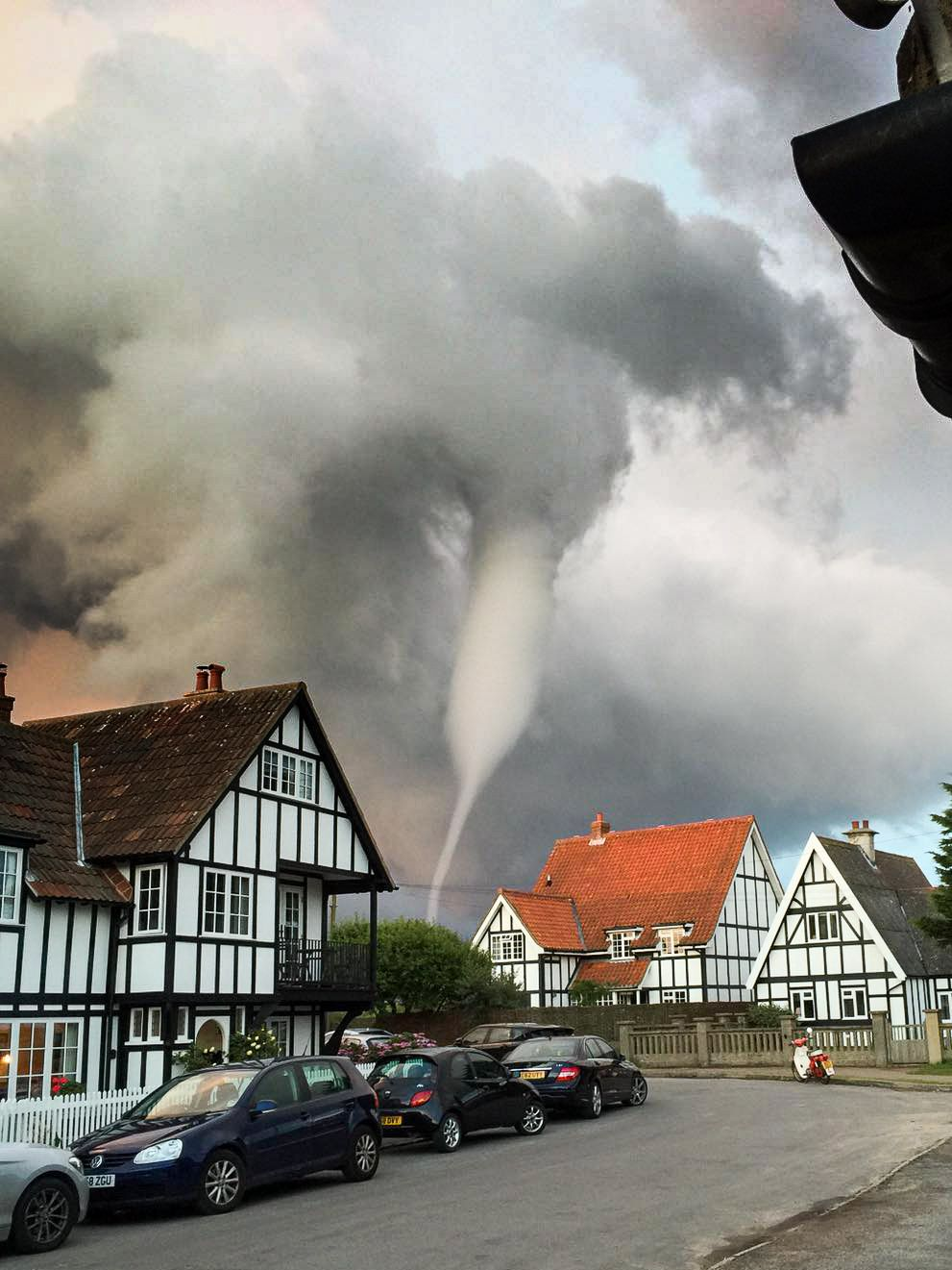 Слайд 68 из 86: Tornado over Thorpeness, Suffolk, UK - 30 Jul 2016 The tornado over Thorpeness