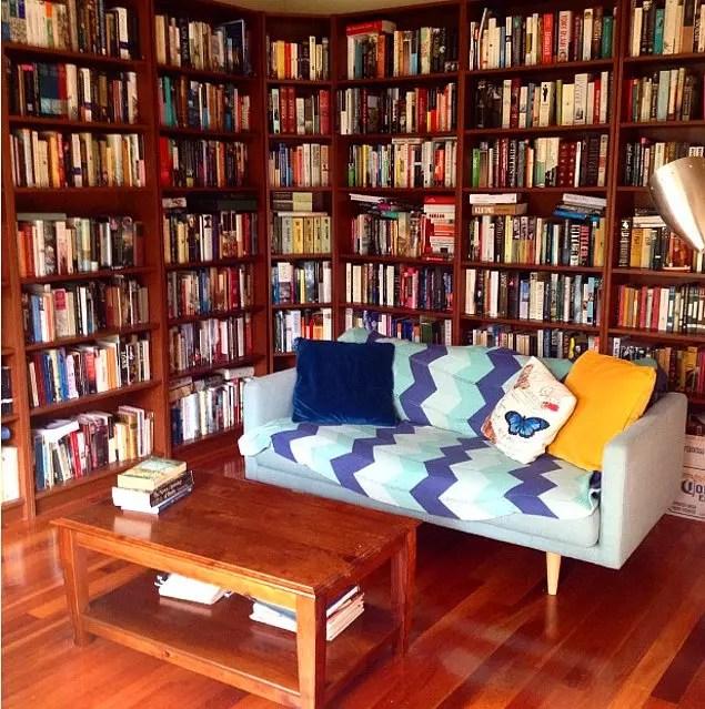 Görür Görmez Koltuğa Uzanıp Kitap Okumak İsteyeceğiniz 21 Ev Kütüphanesi