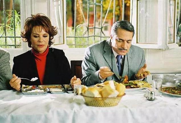 Hababam Sınıfı Merhaba (IMDb Puanı: 2,9)