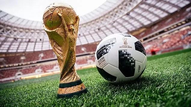 Takımlar bu top ve kupa peşinde koşarken politik anlamda çok yoğun hislerin oluşacağı maçlara da çıkabiliyorlar.