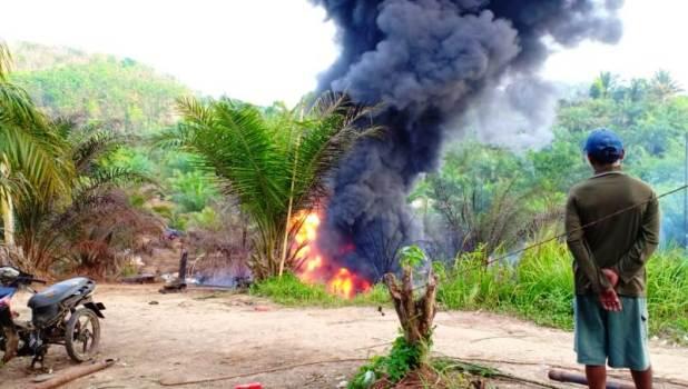 Kebakaran Akibat Pengeboran Minyak Ilegal (foto: Ist)
