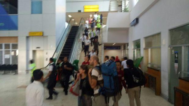 Kondisi Bandara Lombok Pascagempa 6,2 SR (foto: Putera/Okezone)