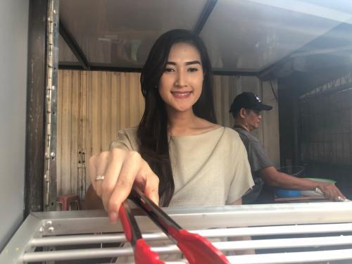 Penjual Tahu Cantik