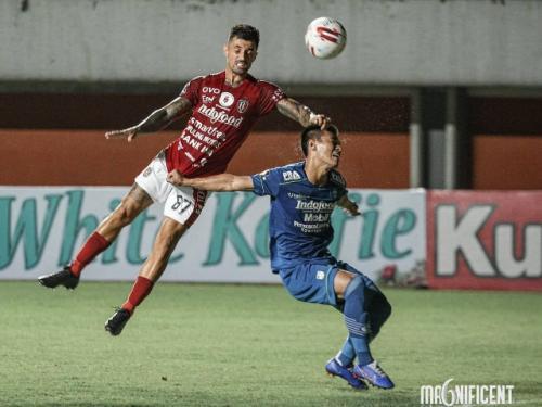 Aksi Stefano Lilipaly (Foto: Bali United)